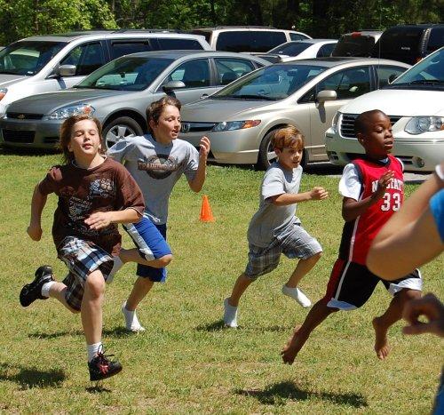 sunday-4-26-09-boys running